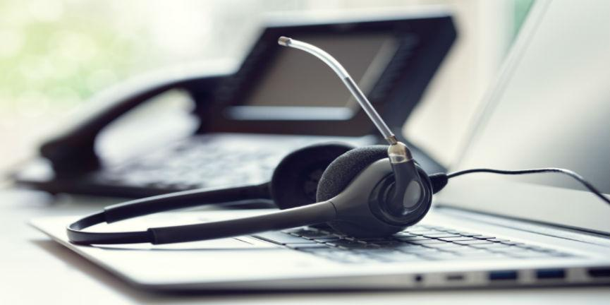 voip phone and headset in contact centers